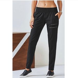 Fabletics Yumiko Slouchy Joggers Pants - 0473